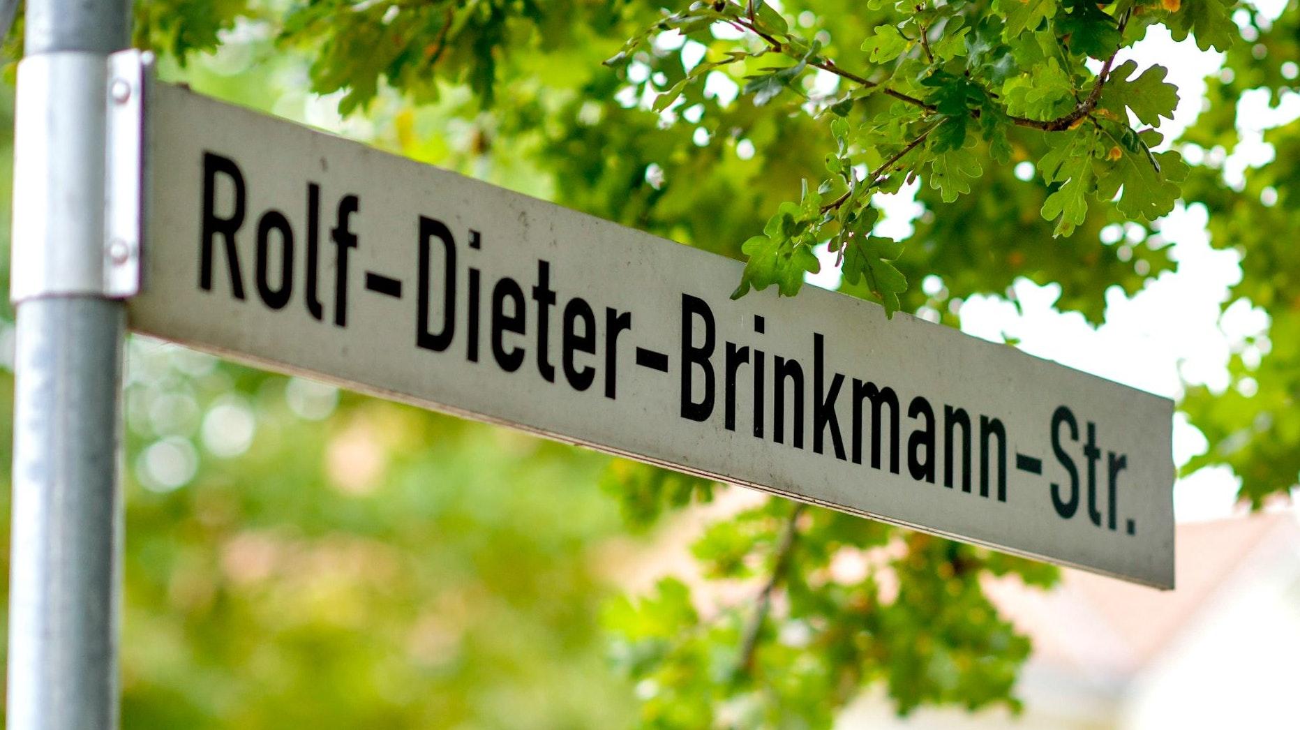 Erst verachtet, dann gewürdigt: Zu Lebzeiten hing Brinkmann in seiner Heimat der Ruf eines Nestbeschmutzers nach - zu Unrecht. 2007 wurde in Vechta eine Straße nach ihm benannt. Foto: Chowanietz