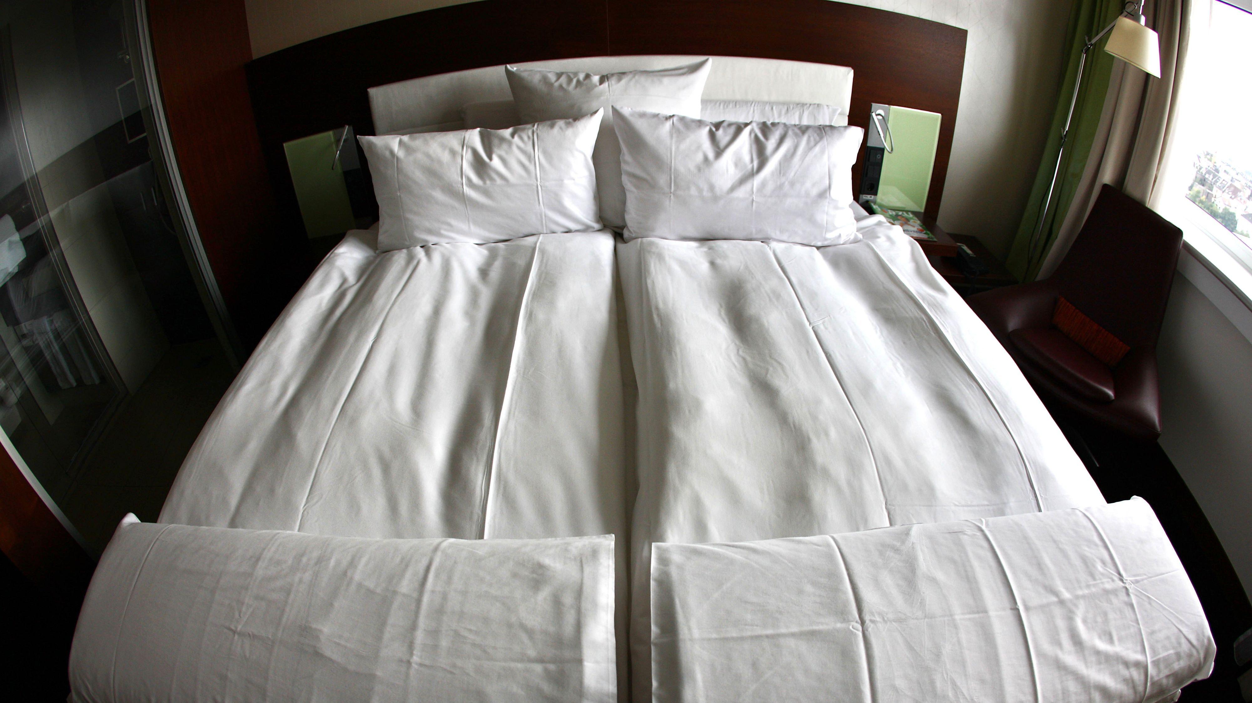 Die Betten bleiben in Coronazeiten so manches Mal leer. Symbolfoto: dpa