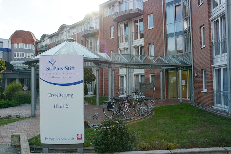 Am Sonntag und Montag werden etwa 500 Abstriche im St.-Pius-Stift genommen. 2 Mitarbeiterinnen hatten sich infiziert. Foto: Alvarez