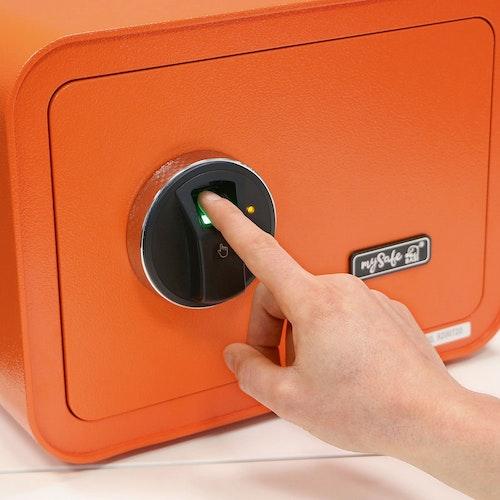 Bei der Verriegelungs-Option mit Fingerprint sind bis zu bis zu 100 verschiedene Fingerprints im System speicherbar. (Foto: eprBASI GmbH)