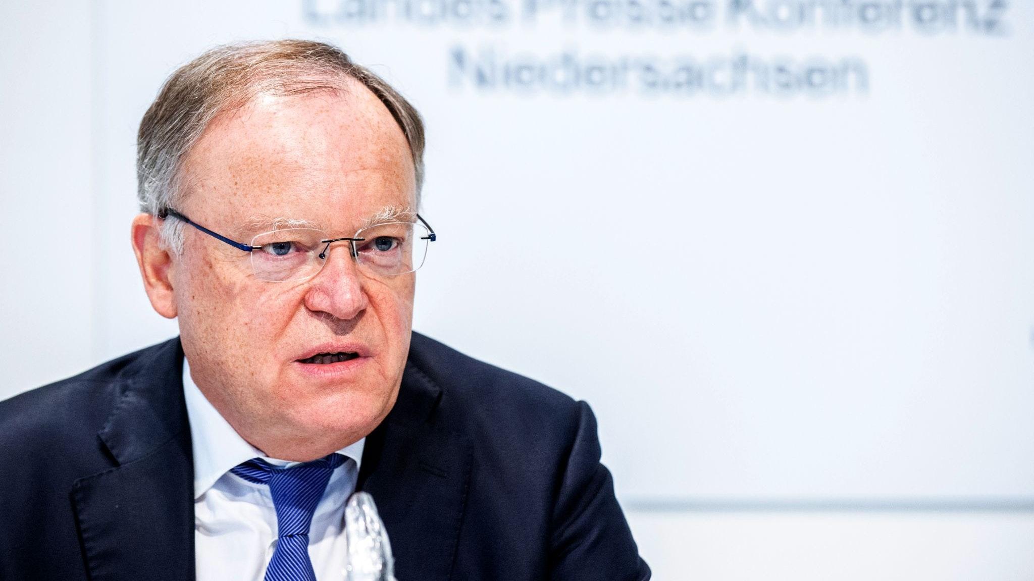 Berät im Landtag über die aktuelle Lage: Ministerpräsident Stephan Weil (SPD). Foto: dpa/Dittrich