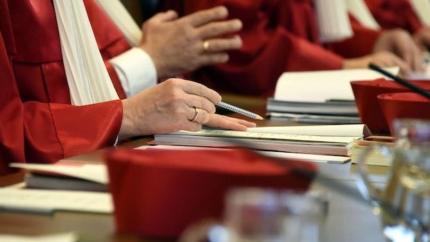 Verfassungsrichter entscheiden zu Beherbergungsverbot