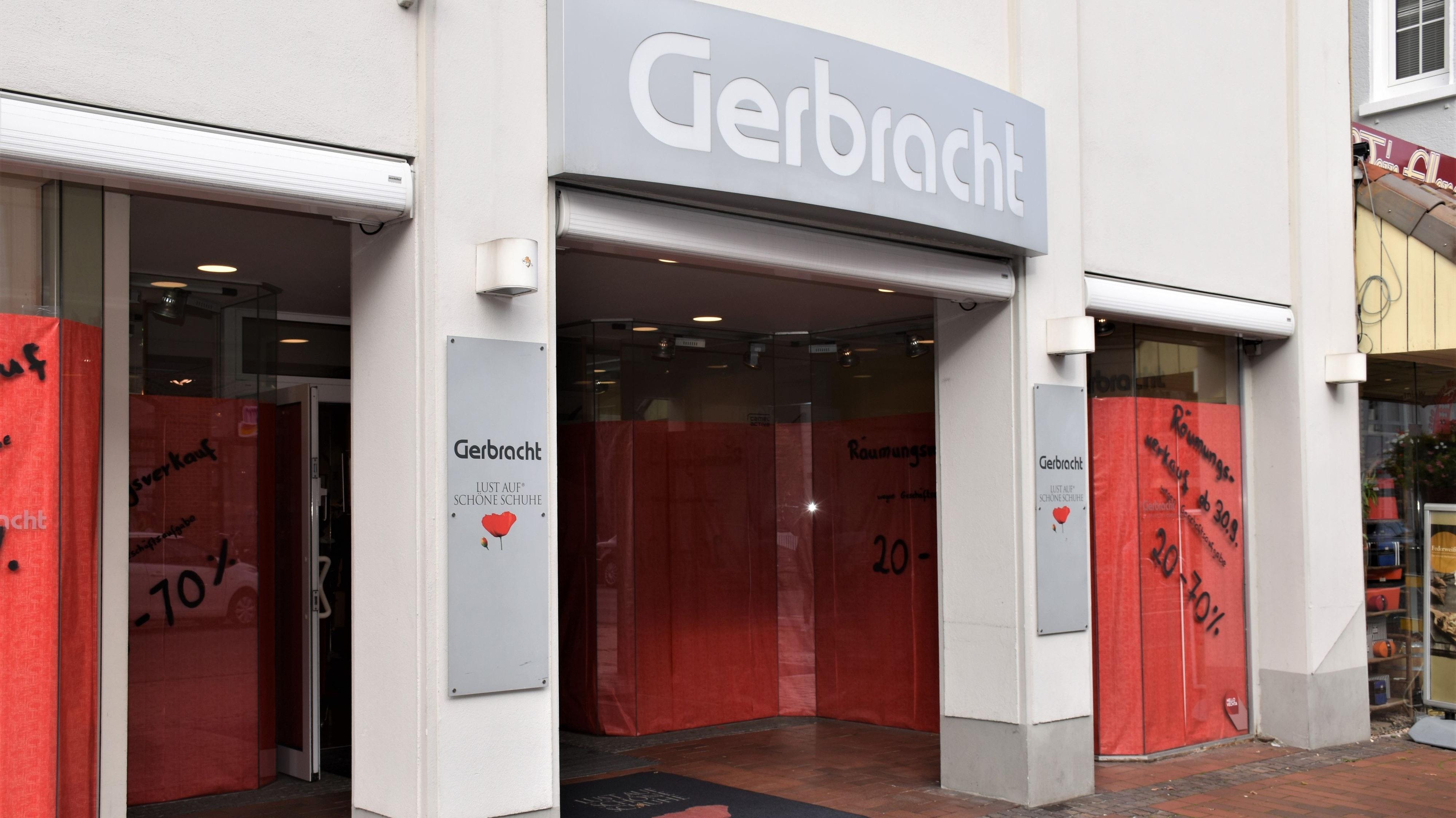 Der Räumungsverkauf läuft: Das Schuhhaus Gerbracht in Vechta schließt am Ende dieses Jahres. Foto: Stilkenböhmer