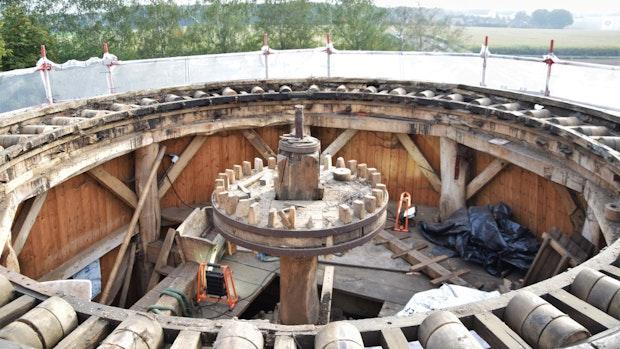 Experten ziehen Mühle Notkappe über