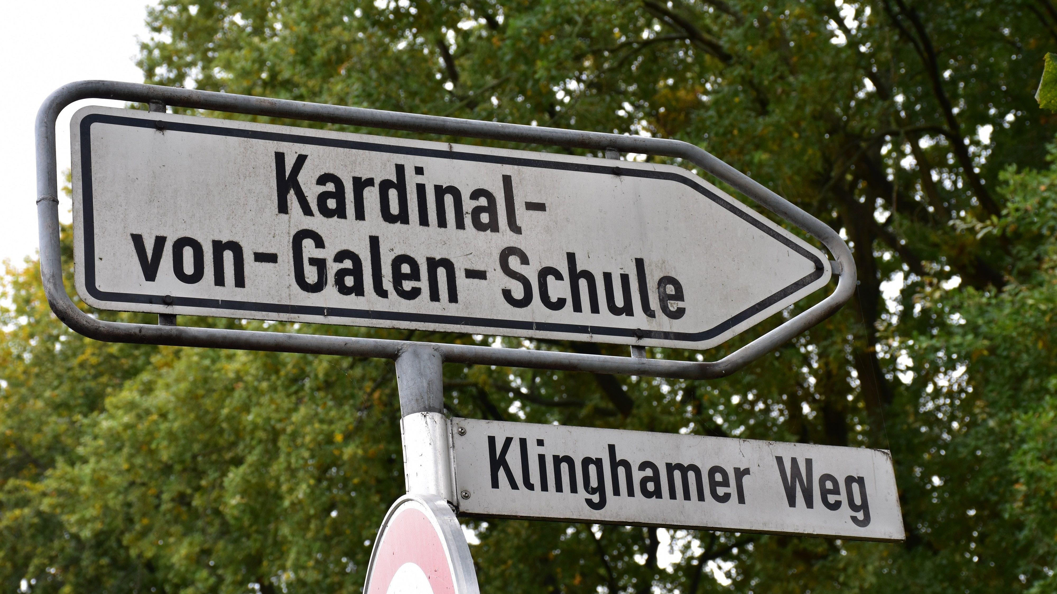 Hier geht's rein: Die Kardinal-von-Galen-Schule Dinklage liegt am Klinghamer Weg. Foto: Böckmann