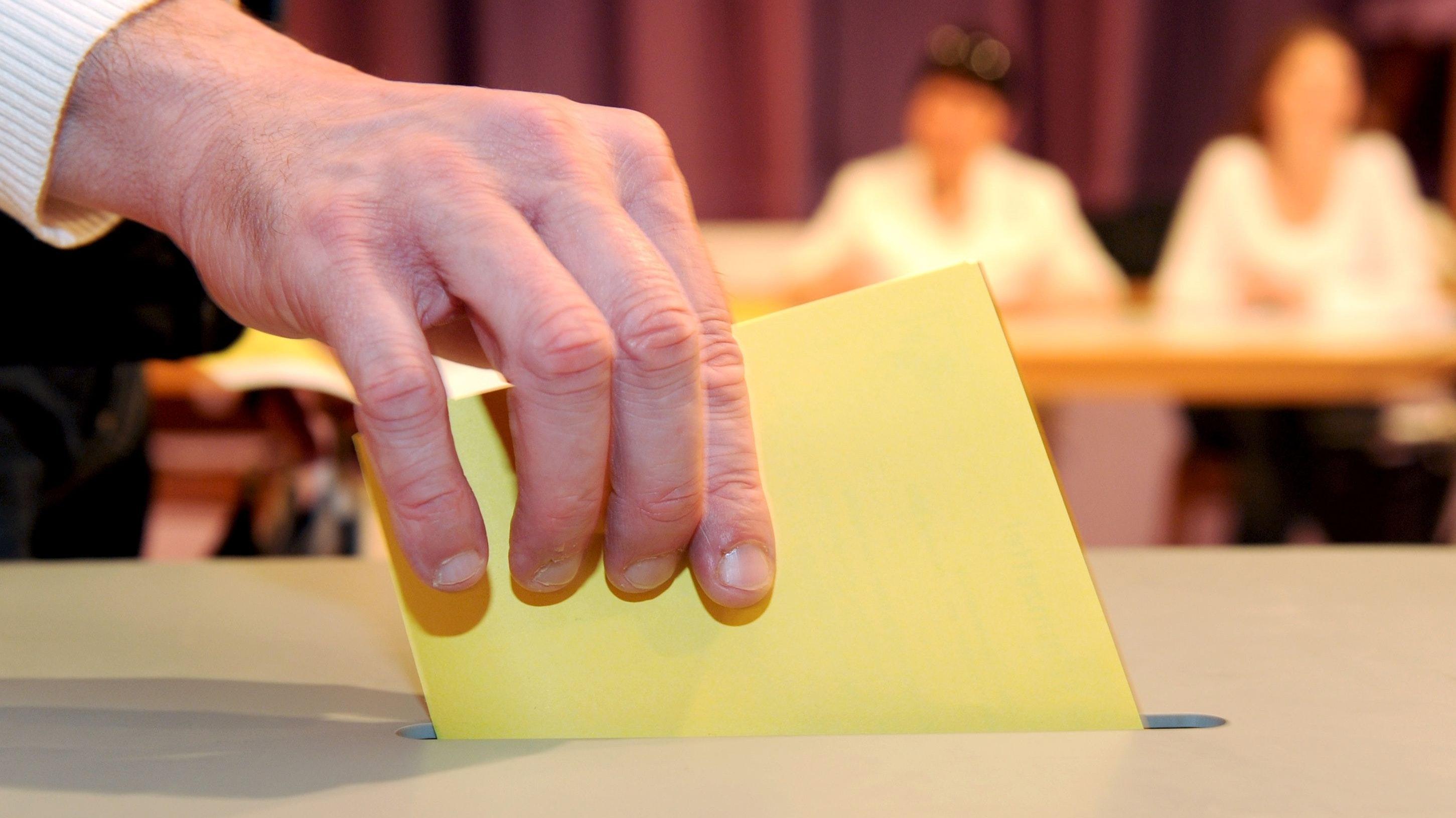 Wahl im September 2021: Die kleineren Parteien in Cloppenburg suchen nach einer Alternative zum CDU-Bewerber um das Bürgermeisteramt, Neidhard Varnhorn. Symbolfoto:Bernd Weissbrod/dpa
