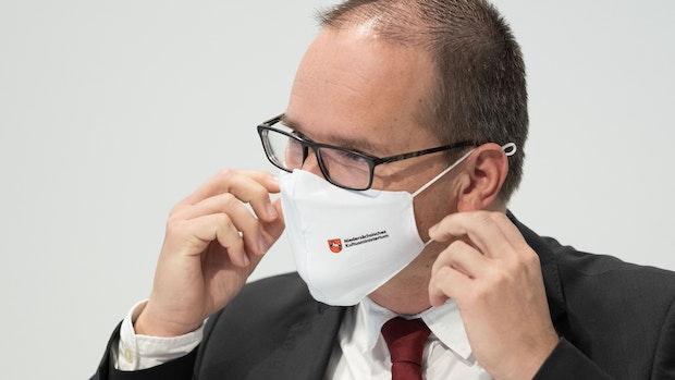 Minister empfiehlt Maske im Unterricht