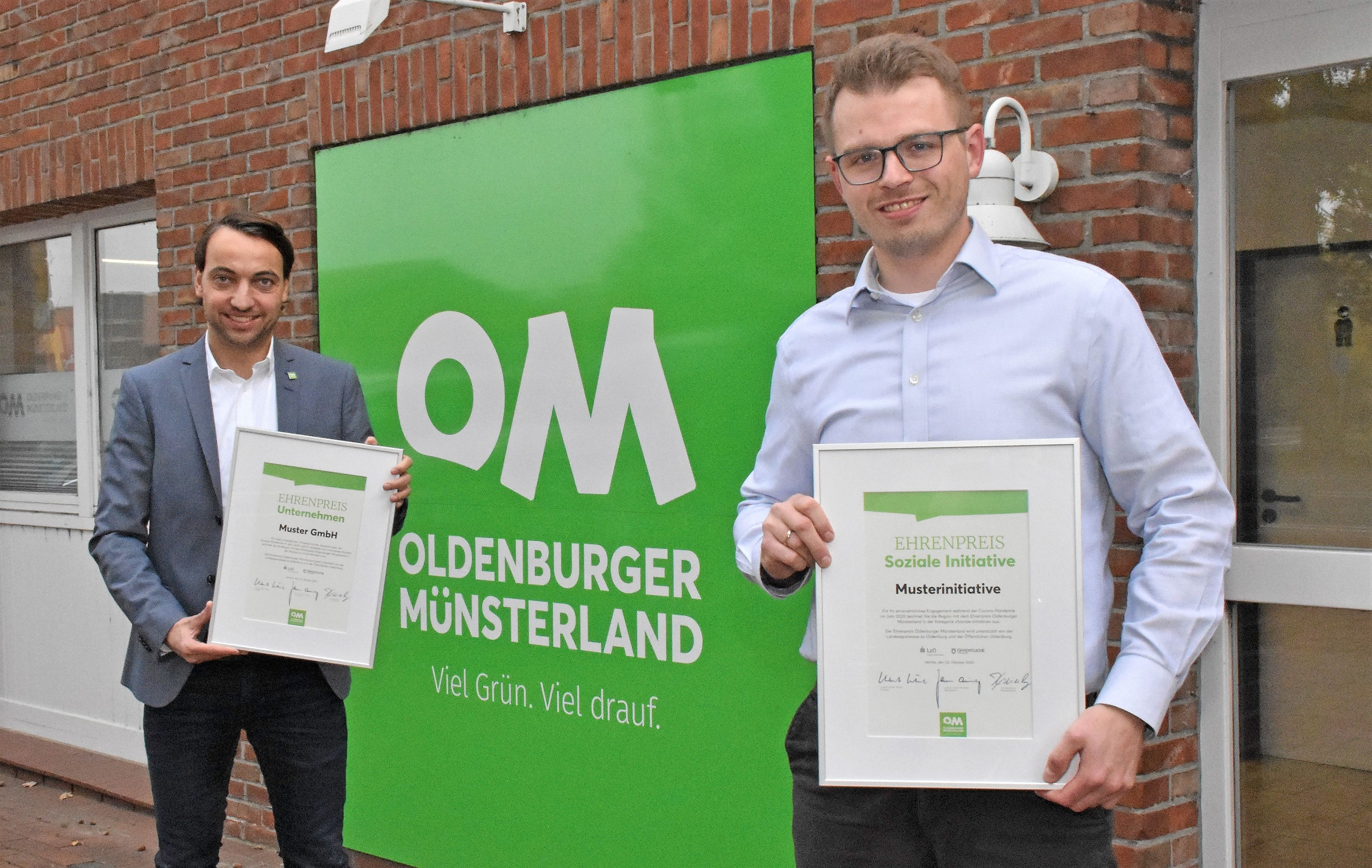 Verbund-Geschäftsführer Jan Kreienborg (links) und Kollege Thomas Westermann hoffen auf viele Bewerbungen. Foto: Kühn