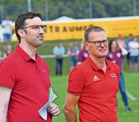 Wartet auf einen Termin: Christian Albers (links). Foto: Bettenstaedt