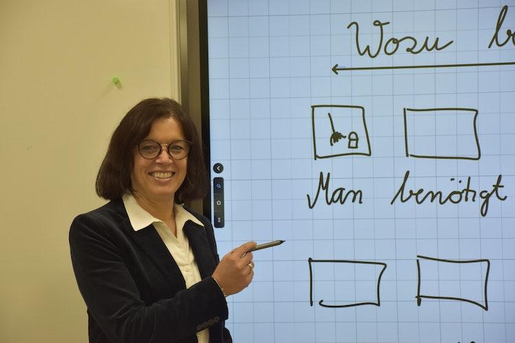 Unterricht im digitalen Format sieht die Schulleiterin als größte Herausforderung für die kommenden Jahre. Foto: Scholz