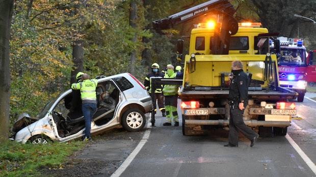 Frau lebensgefährlich bei Unfall verletzt