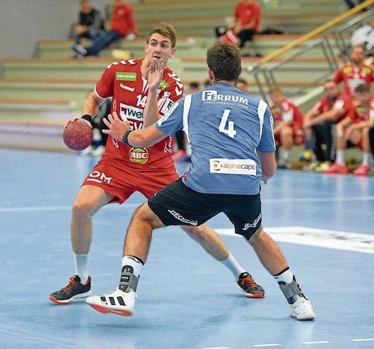 Kurzes Intermezzo: Jeppe Villumsen (links) absolvierte für den TVC lediglich drei Partien. Foto: Langosch