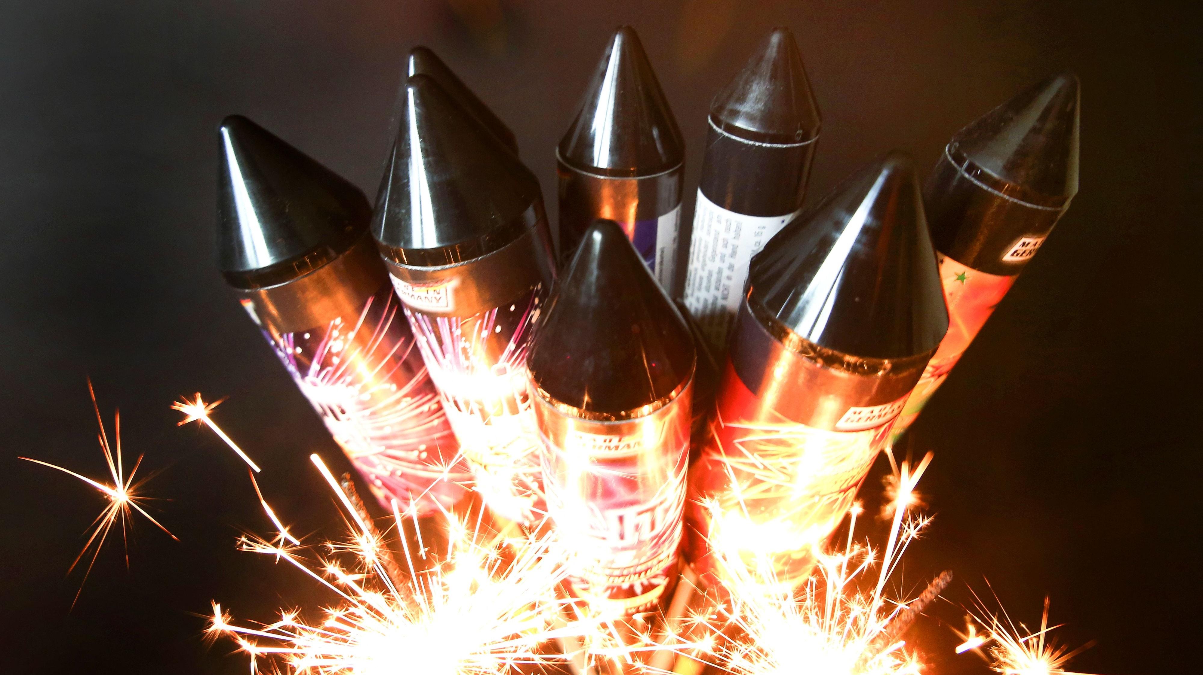 Bitte keine Knallerei: Die Cloppenburger Verwaltung bittet um einen Verzicht auf das Silvester-Feuerwerk. Foto: dpa/Weihrauch