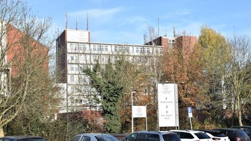 St. Josefs-Hospital: Weitere 5 Patienten und 5 Mitarbeiter sind positiv