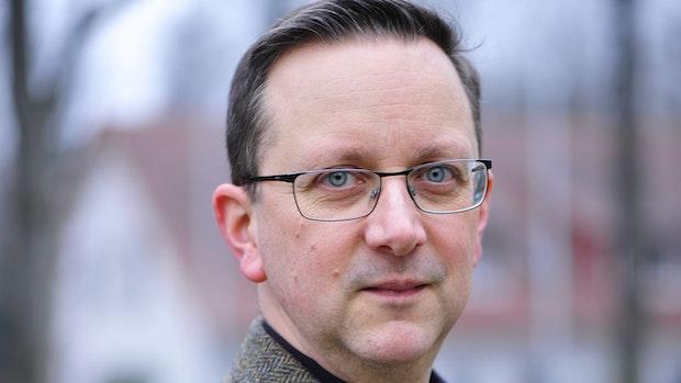 """Oldenburger Autor überzeugt mit """"Der Stau"""""""
