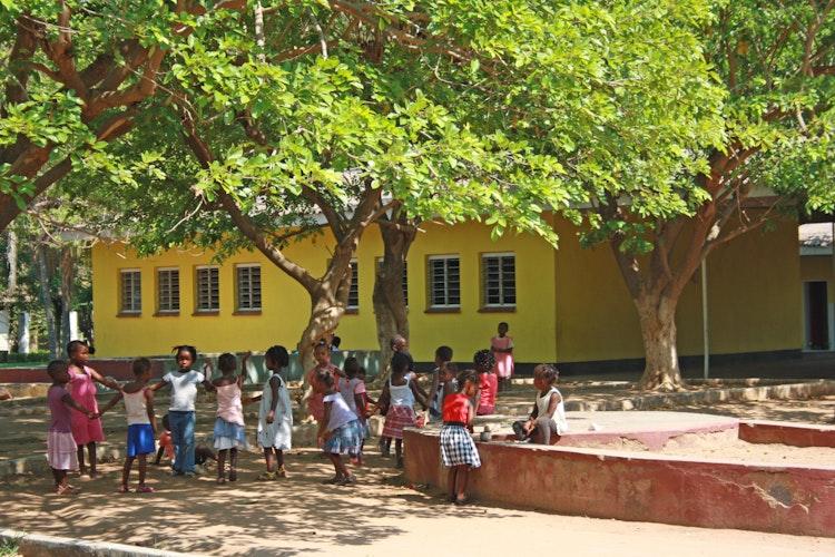 Geborgenheit im SOS-Kinderdorf: Hier wird den Kindern und Jugendlichen ein sicheres Umfeld geboten. Über 1000 Menschen profitieren von der Arbeit in Tete.