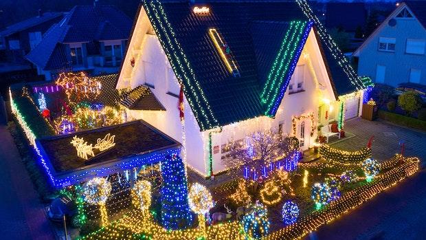 Weihnachtshaus zieht Scharen in den Lohner Finkenweg
