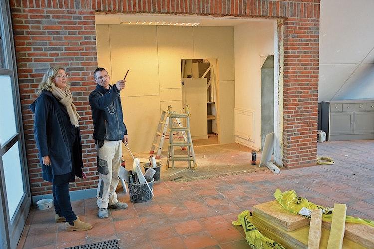 Umbaumaßnahmen: Julia Schulte to Bühne verschaffte sich im Infogebäude einen Überblick. Foto: Hermes