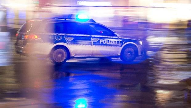 Streit droht zu eskalieren: Polizei-Razzien bei drei Männern