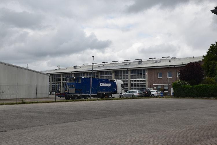 Schlumberger verfügt an der Rudolf-Diesel-Straße in Vechta über ein großzügig bemessenes Betriebsgelände. Im Bild die Rückansicht des Hauptgebäudes. Foto: Kühn