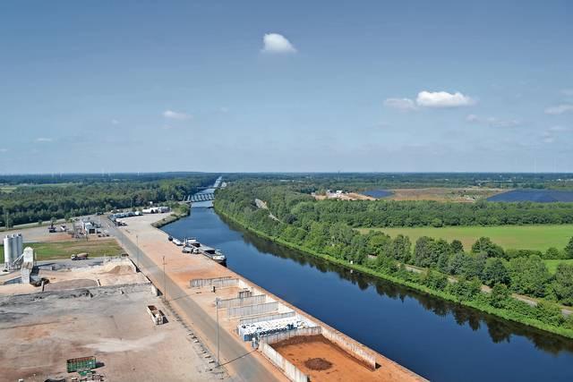 Umstritten: Die Ansiedlung von Gülle und Mist verarbeitenden Anlagen am C-Port und der Umgang mit dem Thema sorgt für Diskussionen. Foto: MT-Archiv/Stix