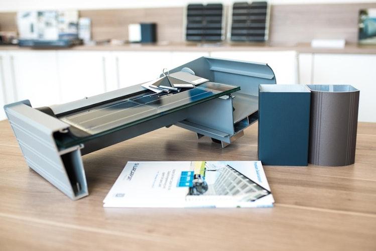 Das Solar Doppelglas-Element überzeugt vor allem durch seine geprüfte Sicherheit mit 30 Jahren Herstellergarantie und die 98-prozentige Lichtdurchlässigkeit. (Foto: eprSolarterrassen & Carportwerk GmbH)