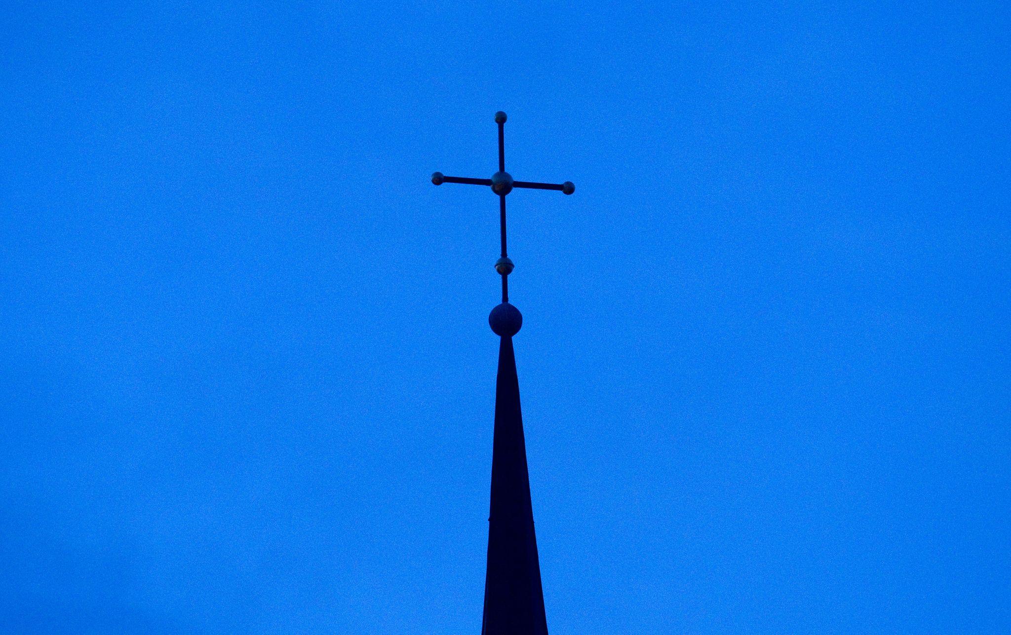 Nach dem wochenlangen Unterrichtsausfall wollen die Kirchen während der Sommerferien mit Hilfe des Landes ein freiwilliges Bildungsangebot organisieren. Foto: dpa