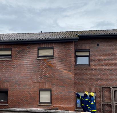 Massive Risse: Das Haus ist derzeit nicht mehr bewohnbar. Foto: Lübbers/THW