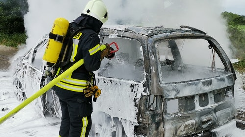 Familien-Van brennt an B213 aus