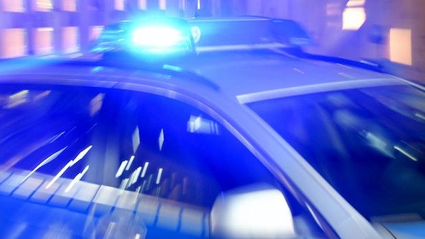 Betrunken am Steuer? Friesoyther landet bei Verfolgungsjagd mit Polizei im Graben