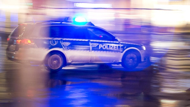 """Feuerteufel in Oldenburg: Dachstuhl der """"Umbaubar"""" brennt"""