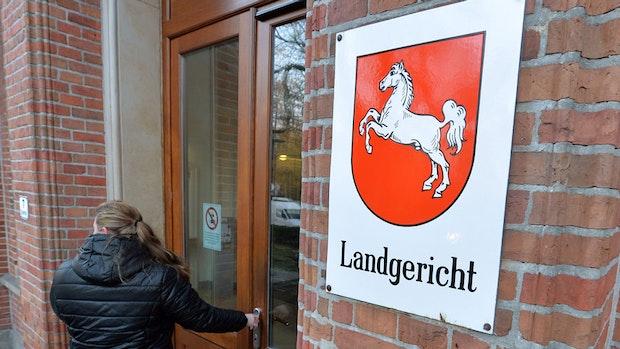Tausendfacher Paletten-Diebstahl: Prozessauftakt vor Landgericht