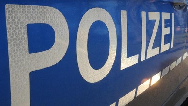 Corona-Verstöße: Polizei löst Treffen mit 19 Personen in Lohne auf