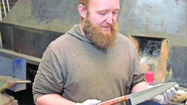 Erstes Messer als Fünfjähriger gefertigt