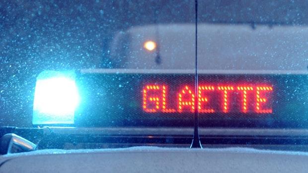 Unfälle auf glatter Autobahn