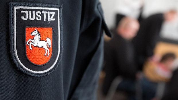 Ehemaliger Inhaber von Friseursalons wegen Steuerhinterziehung verurteilt