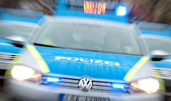 """Drei Täter haben im Bereich der """"An der Wassermühle"""" in Vechta Foto: dpa / Woitas"""