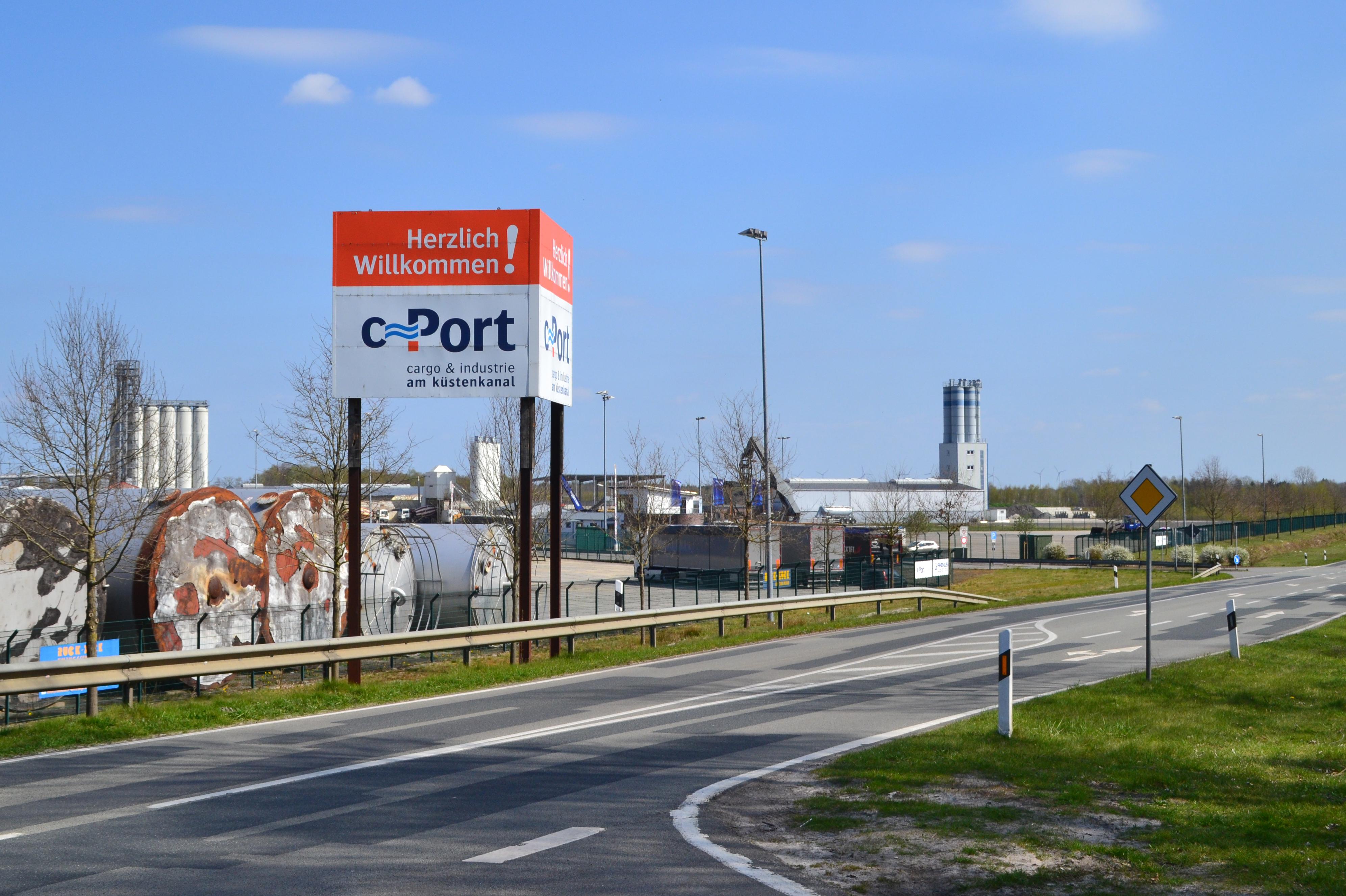 Ansiedlung geplant: der C-Port am Küstenkanal. Foto: Archiv
