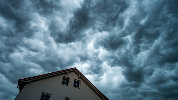 Des Sommers schlechte Seite: Was schützt das Haus vor Starkregen?