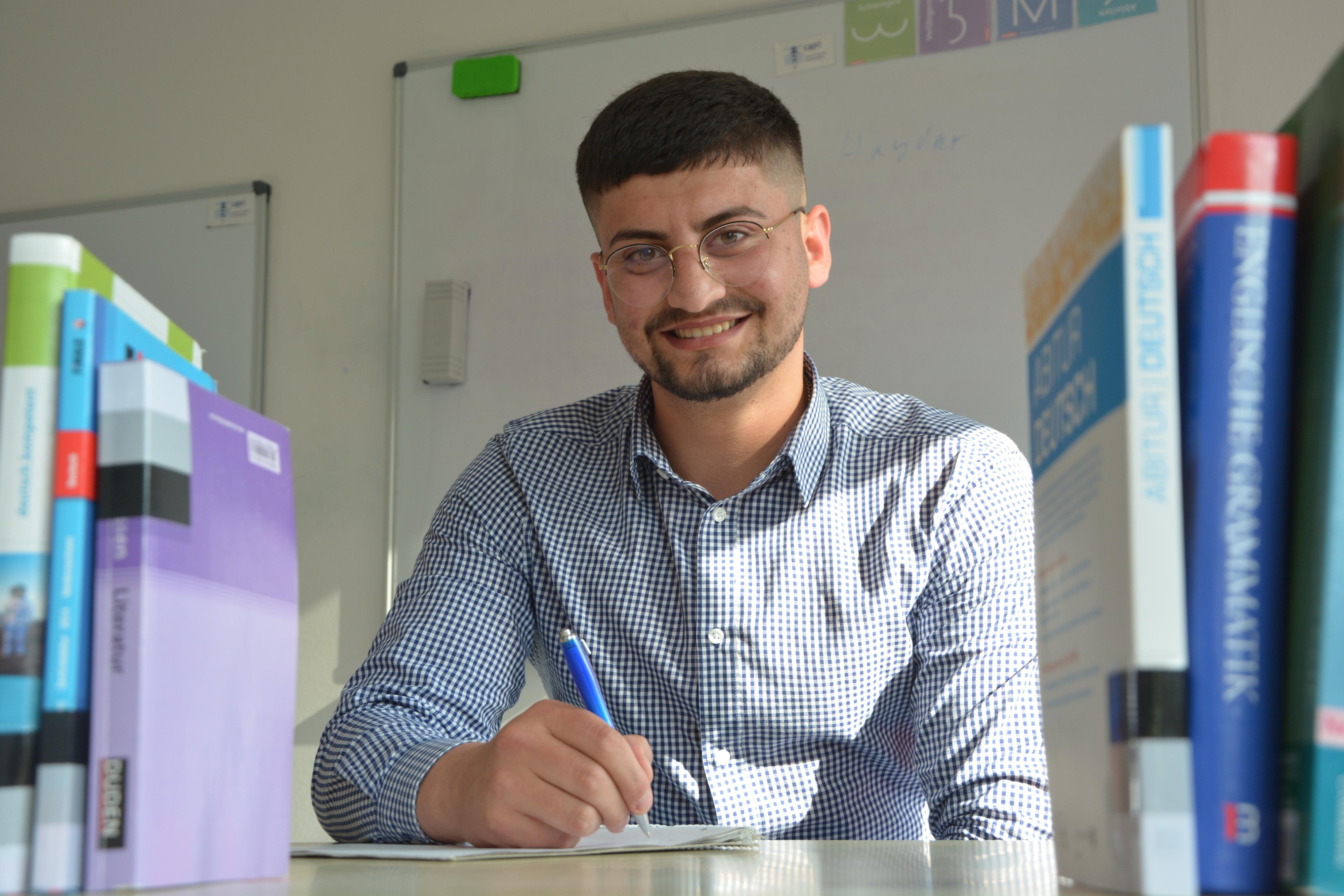 Erfolgreich: Hunar Haydar freut sich über das Abitur. Foto: Hermes