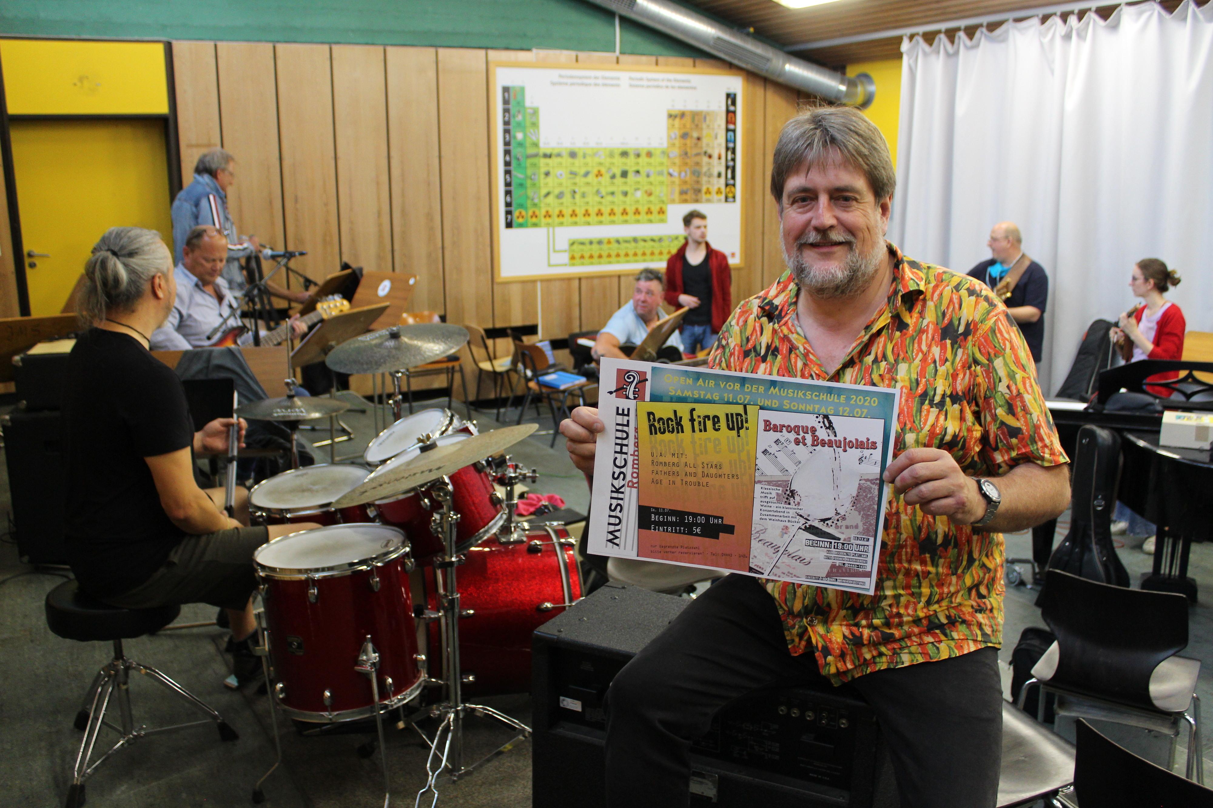 Konrad Hartong lädt mit seinem Team zu zwei Open-Air-Konzerten ein. Fotos: Heinzel