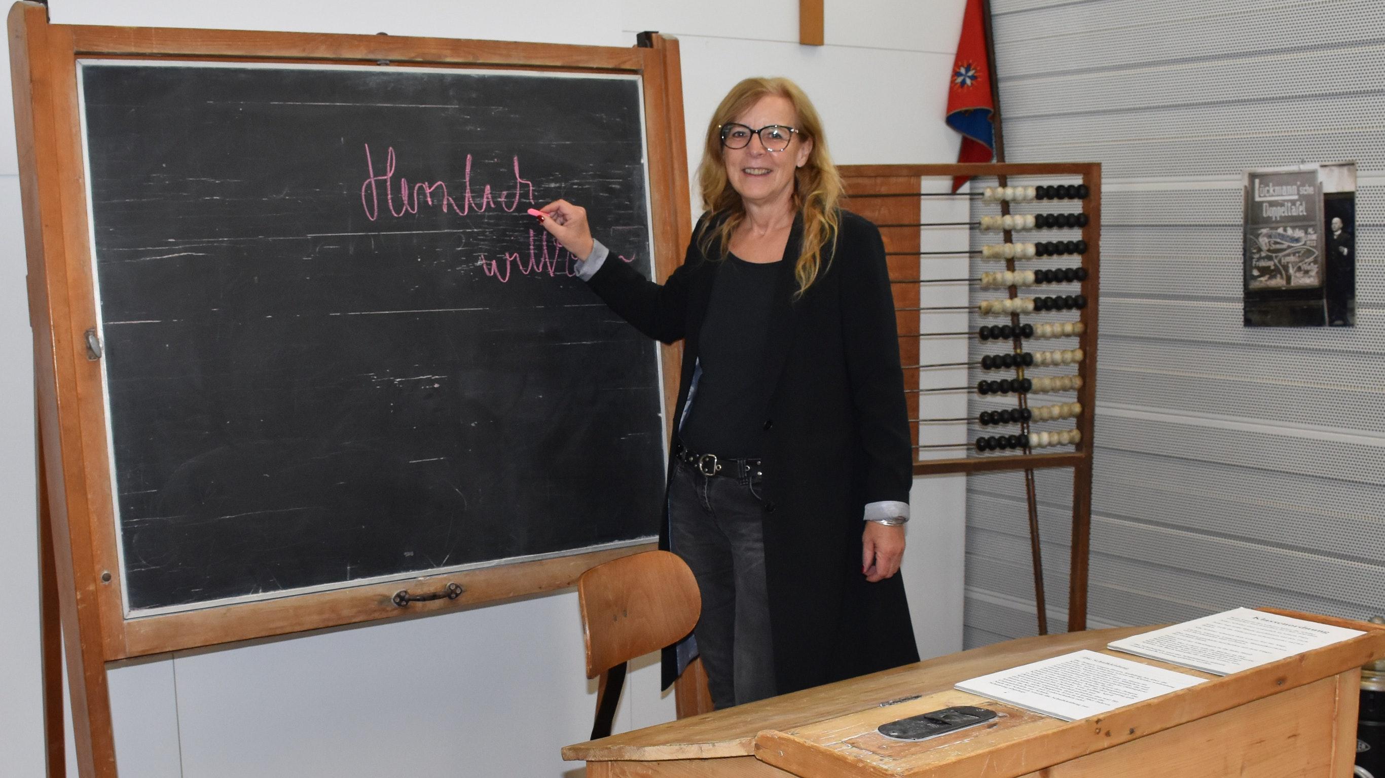 Freut sich über Besucher in den Sommerferien: Ulrike Hagemeier, Leiterin des Lohner Industriemuseums. Foto: Kessen