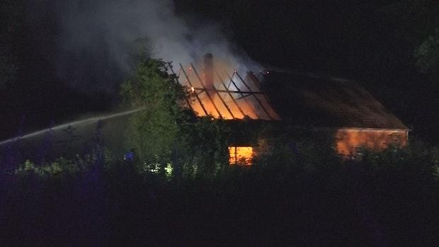 Heuerhaus brennt in Erlte nieder