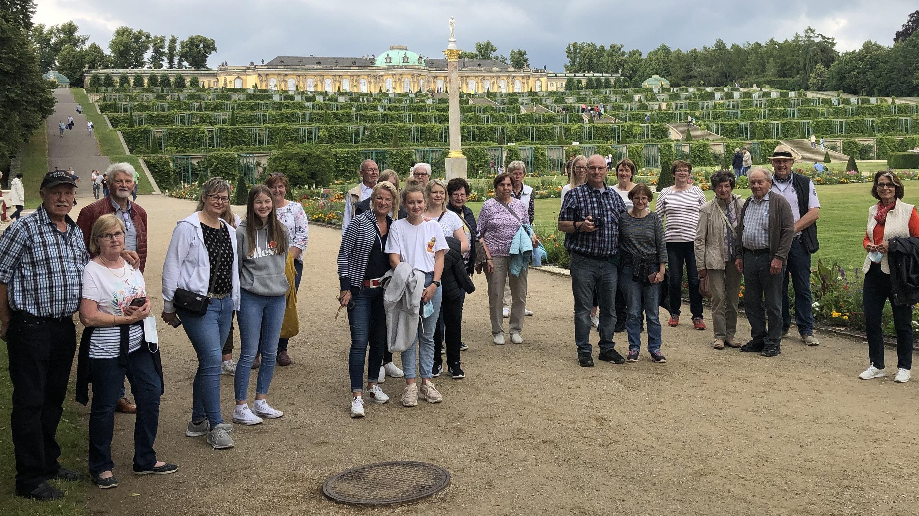 Schloss Sanssouci: Die MT-Gruppe besichtigte auch die rund 290 Hektar große Parkanlage. Foto: Höffmann