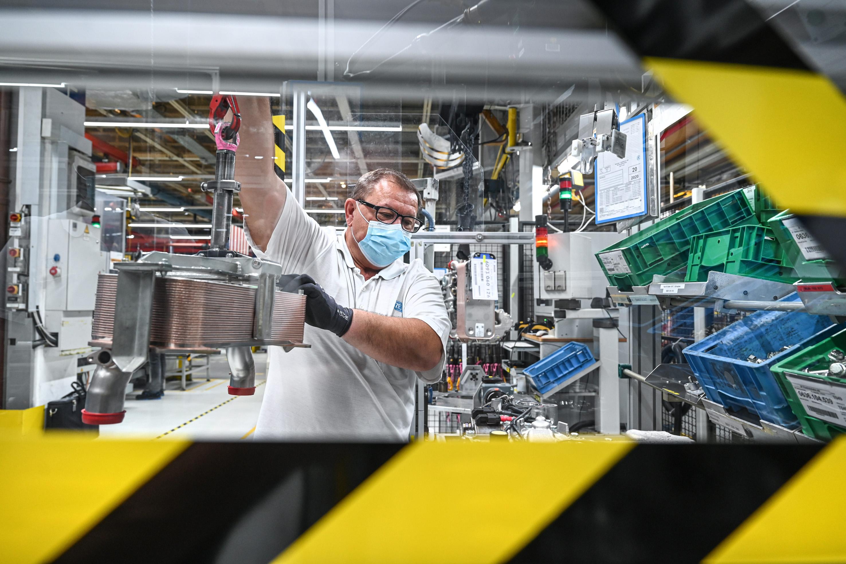 Beschäftigung und Standorte sind zunächst gesichert: Jetzt beginnt bei Automobilzulieferer ZF Friedrichshafen die Phase der Zukunftsplanungen. Foto: ZF