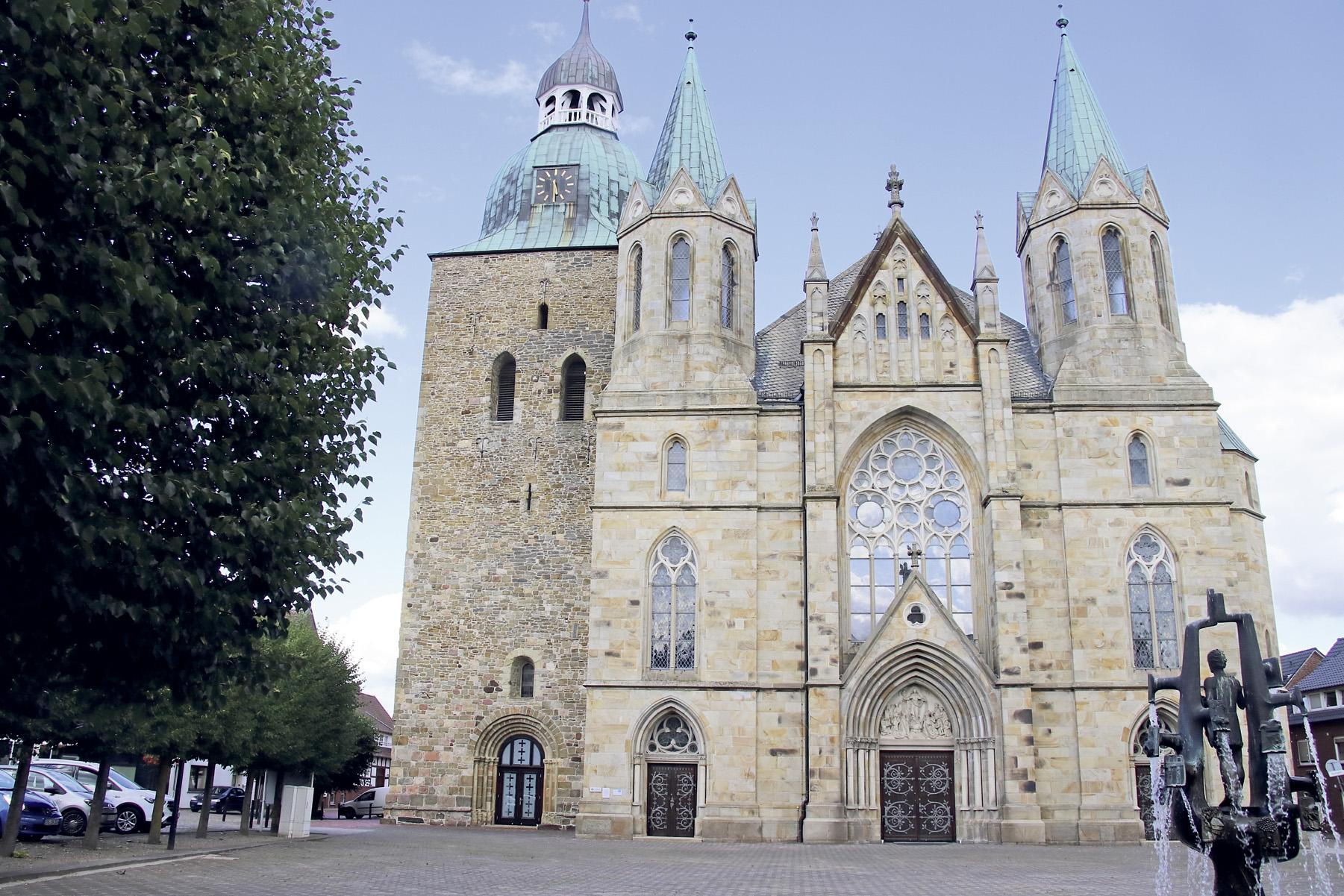 Die St.-Viktor-Pfarrkirche, Foto: Lammert