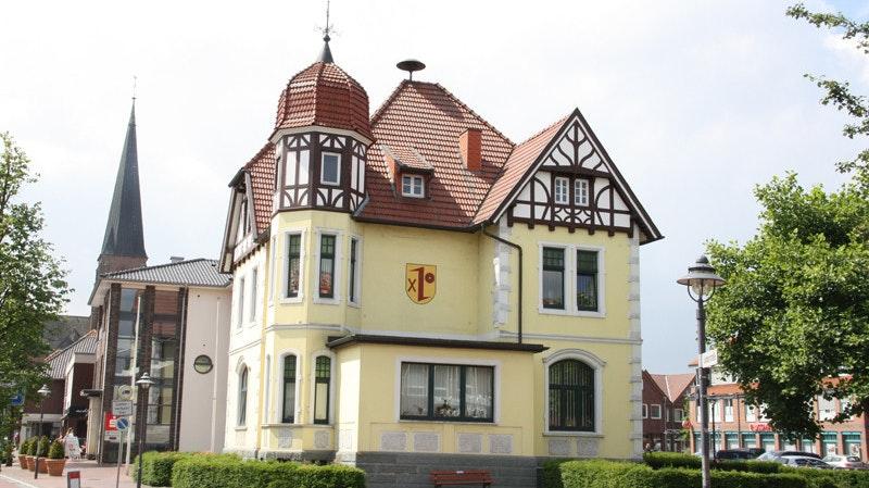 Die Planungen für das Stadtfest am 4. und 5. September 2021 laufen weiter im Dinklager Rathaus. Foto: Honkomp