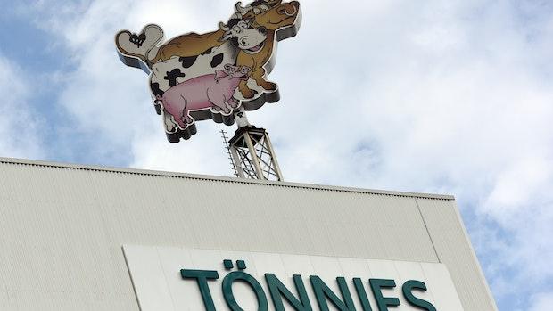 Behörden: Produktionsstopp bei Tönnies vorerst bis 17. Juli