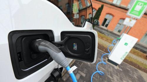 Lange Lieferzeiten für Elektroautos
