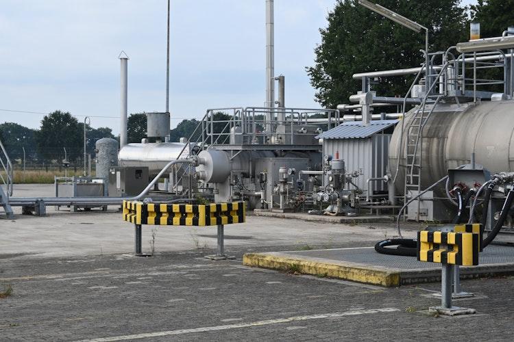 Trockner: Auf dem Gelände in Drantum wird das Sauergas getrocknet, bevor es zur Verdichterstation weitergeleitet wird. Foto: Thomas Vorwerk